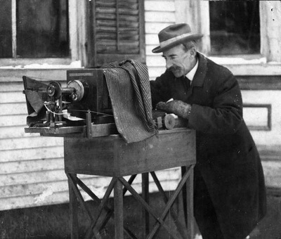 Wilson Bently at work