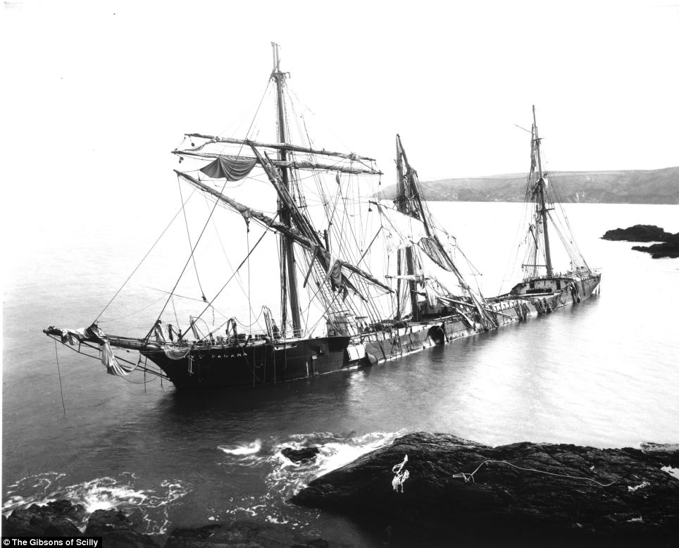 The Bay of Panama was wrecked in March 1898 under Nare Head during a blizzard. The ship was carrying a cargo of Jute, used to make hessian cloth, from Calcutta in India. Eighteen of the people on board died and 19 were rescued.