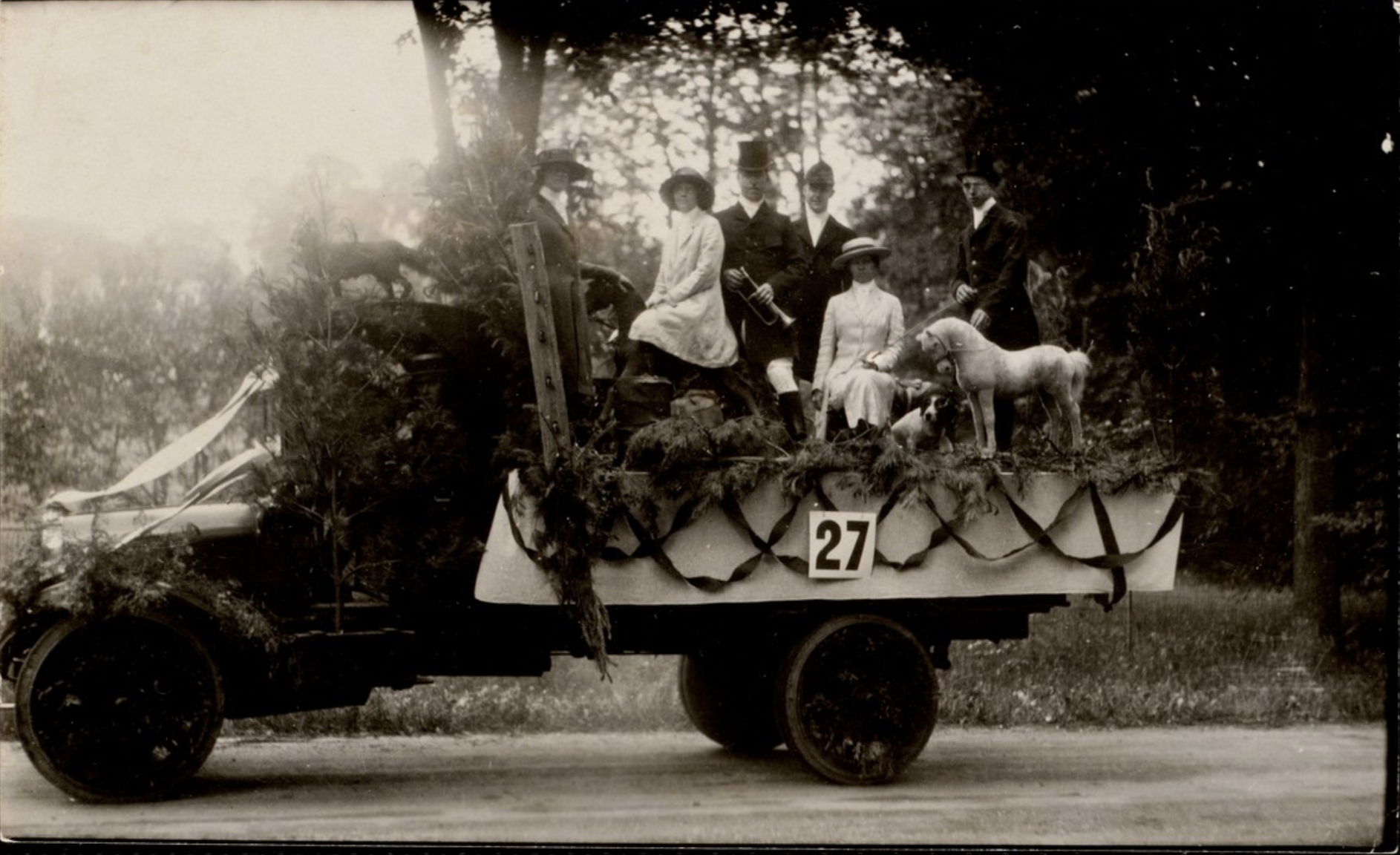 4th of July Parade: Hunt Float, 1922.