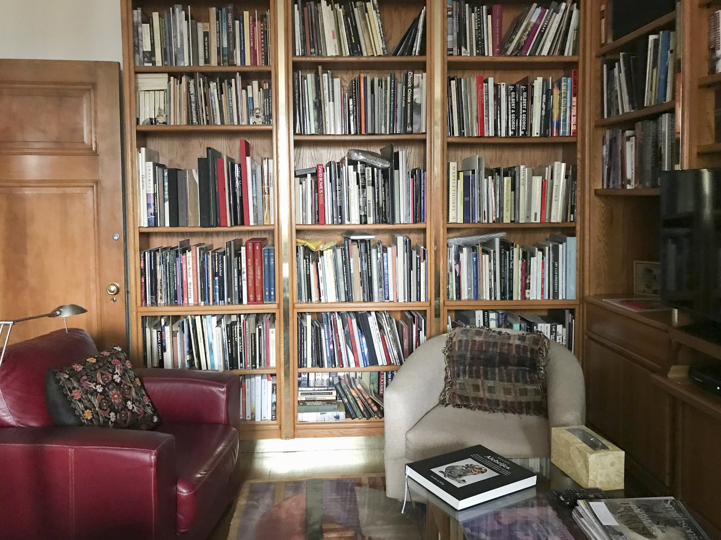 Martha Schneider 's cozy photobook library