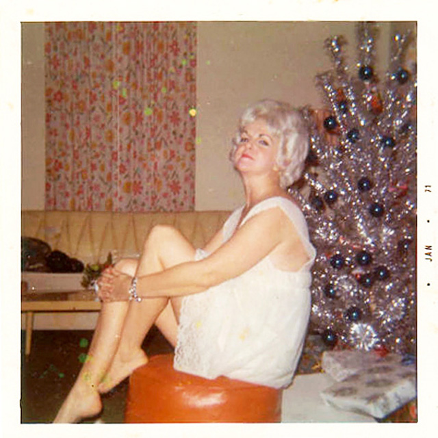 Christmas-tree-mom.jpg