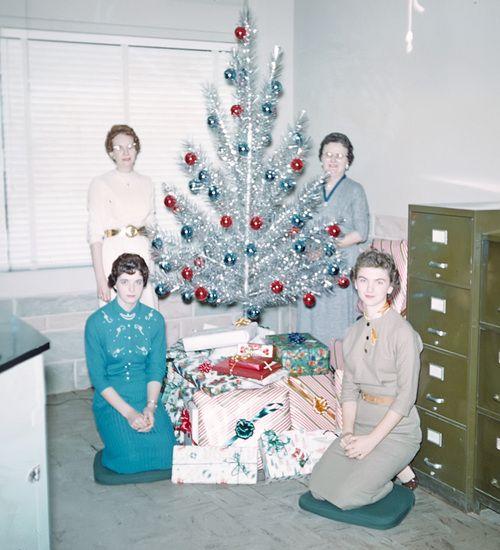Christmas-tree-aluminum-c.jpg