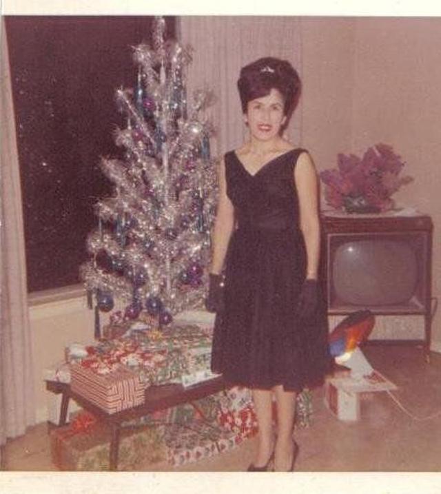 Christmas-tree-mom-25.jpg