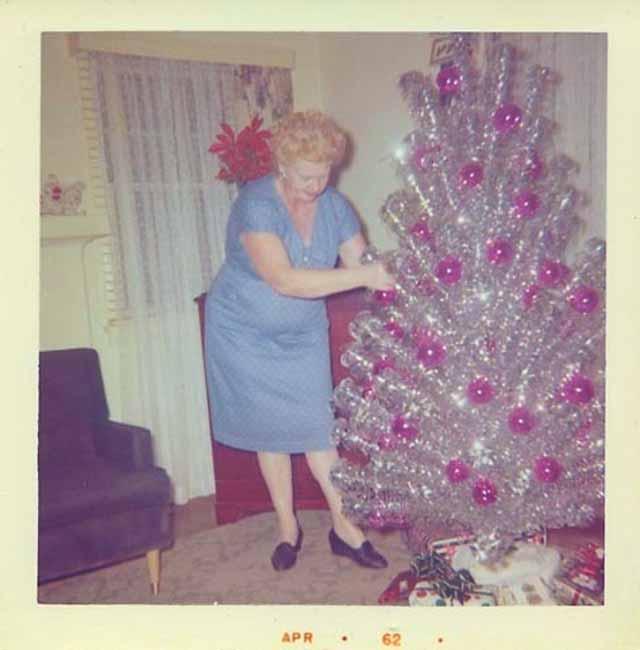 Christmas-tree-mom-9.jpg