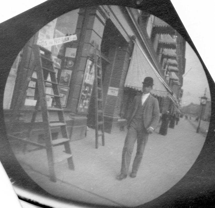 spy-camera-secret-street-photography-carl-stormer-norway-62-5a44a703a8e0d__700.jpg