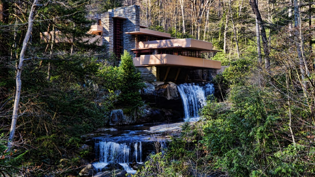 Falling Water. Photo: Mariano Mantel Follow,  FLICKR  //  CC BY-NC 2.0