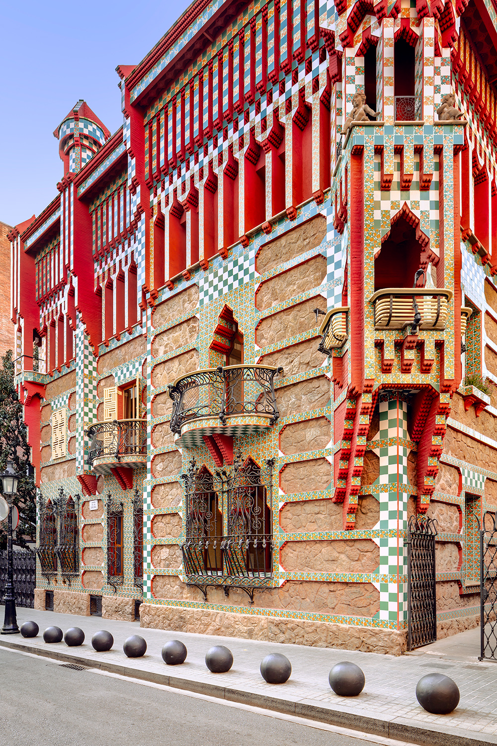 Antoni Gaudi's Casa Vicens in Color, Barcelona ,  David Cardelús