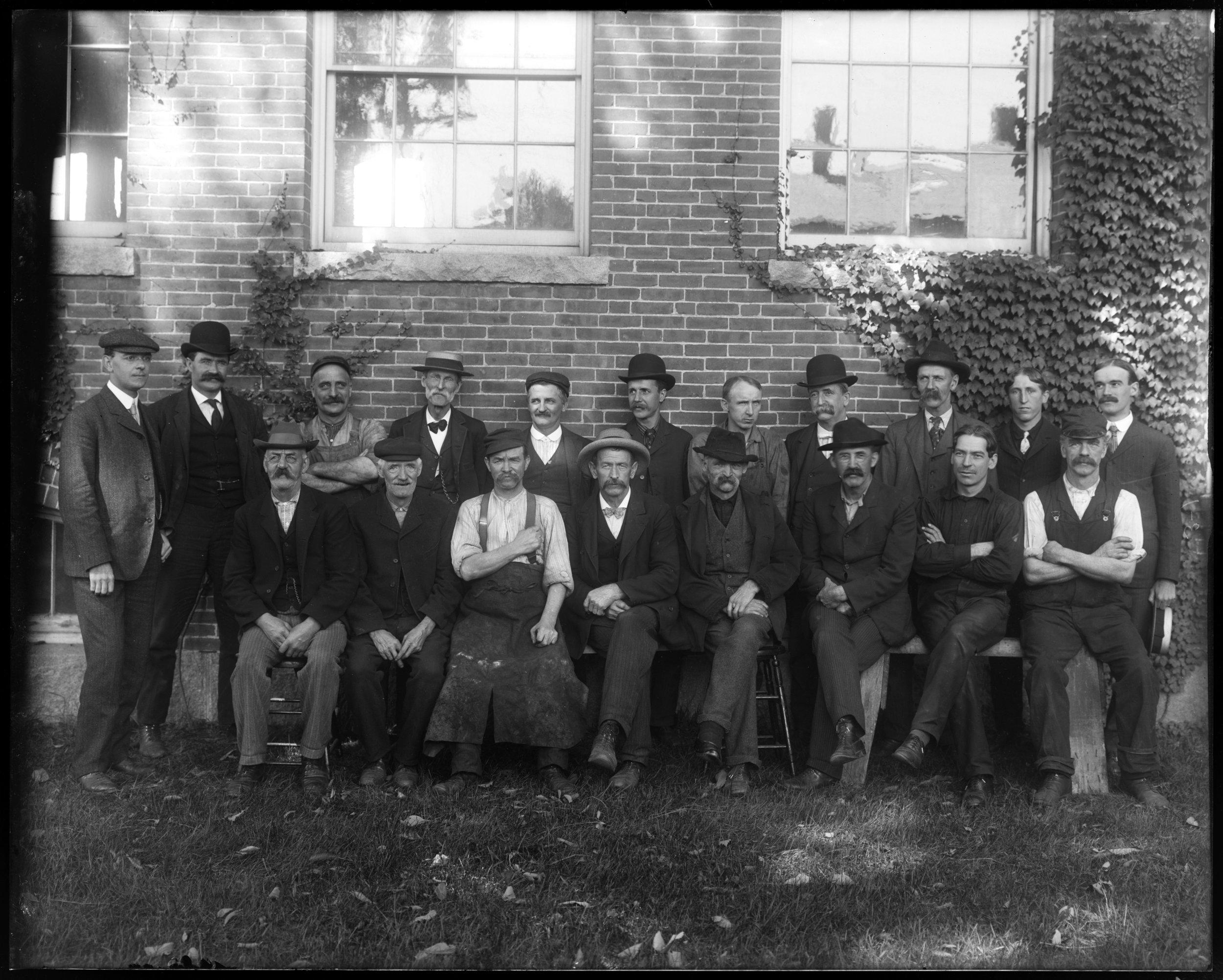 Repair shop group, 1905