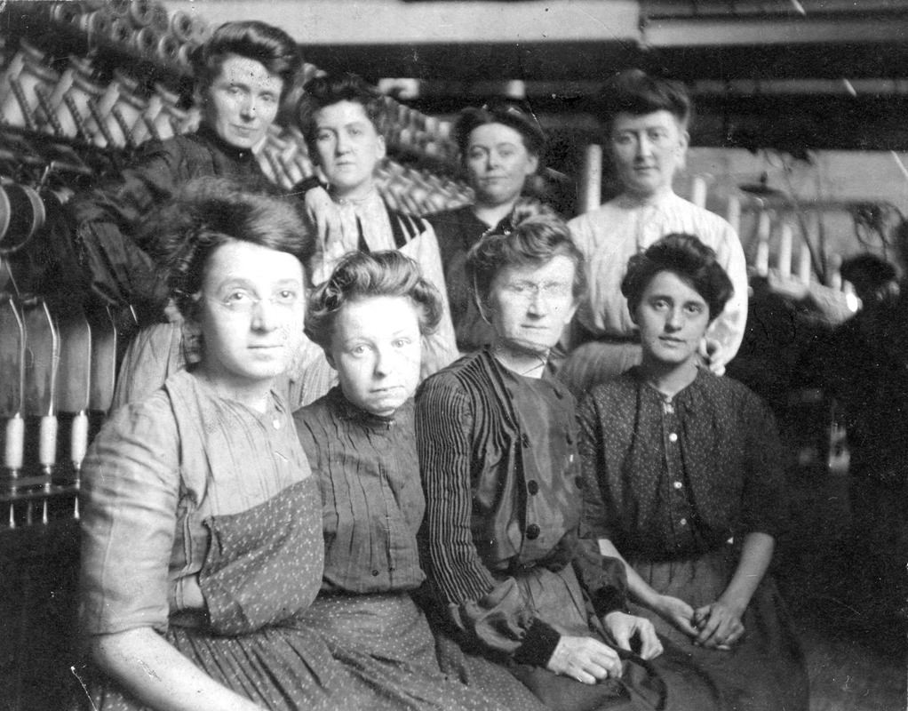 Female mill workers, Ayer Mill, 1910, Lawrence, MA