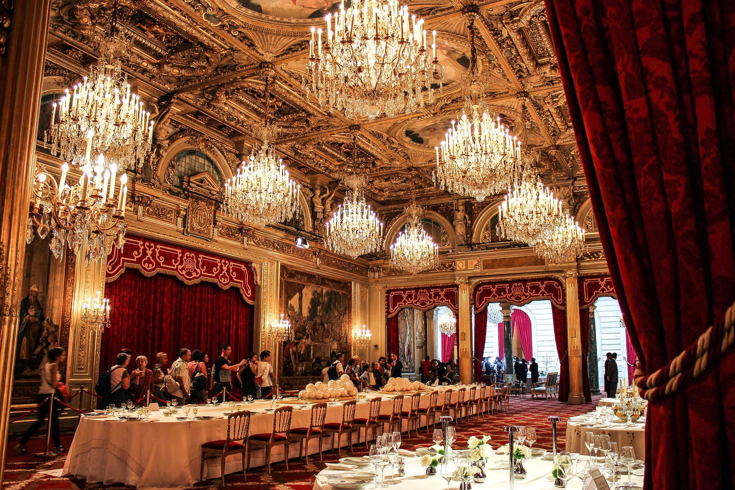 Salle des Fêtes. Ideal setting for official ceremonies.