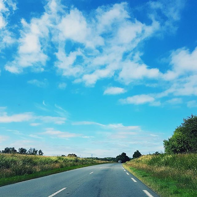 When you drive towards the horizon, an unknown adventure before you | and you finally know what freedom feels like ❤ #travel #momentintime #skyblue #horizon #freedom
