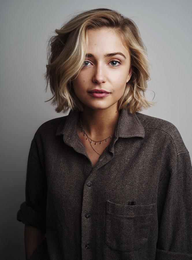 Sophie Simnnett