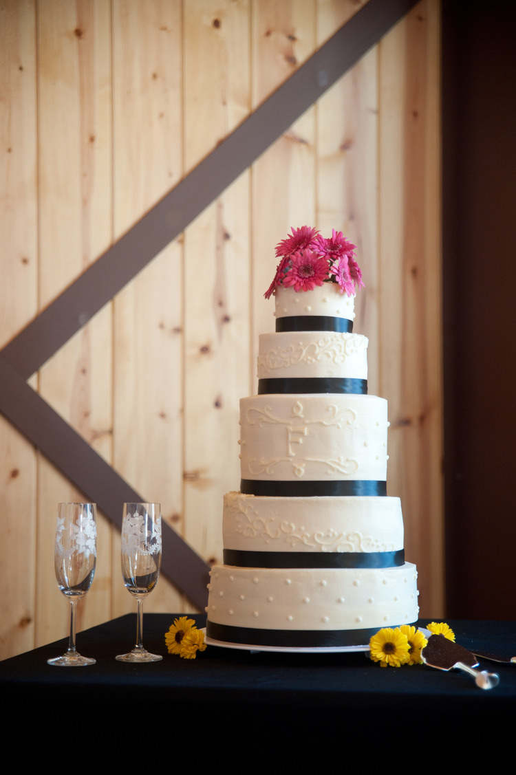 Fantastic Wedding Cake in Harrisonburg