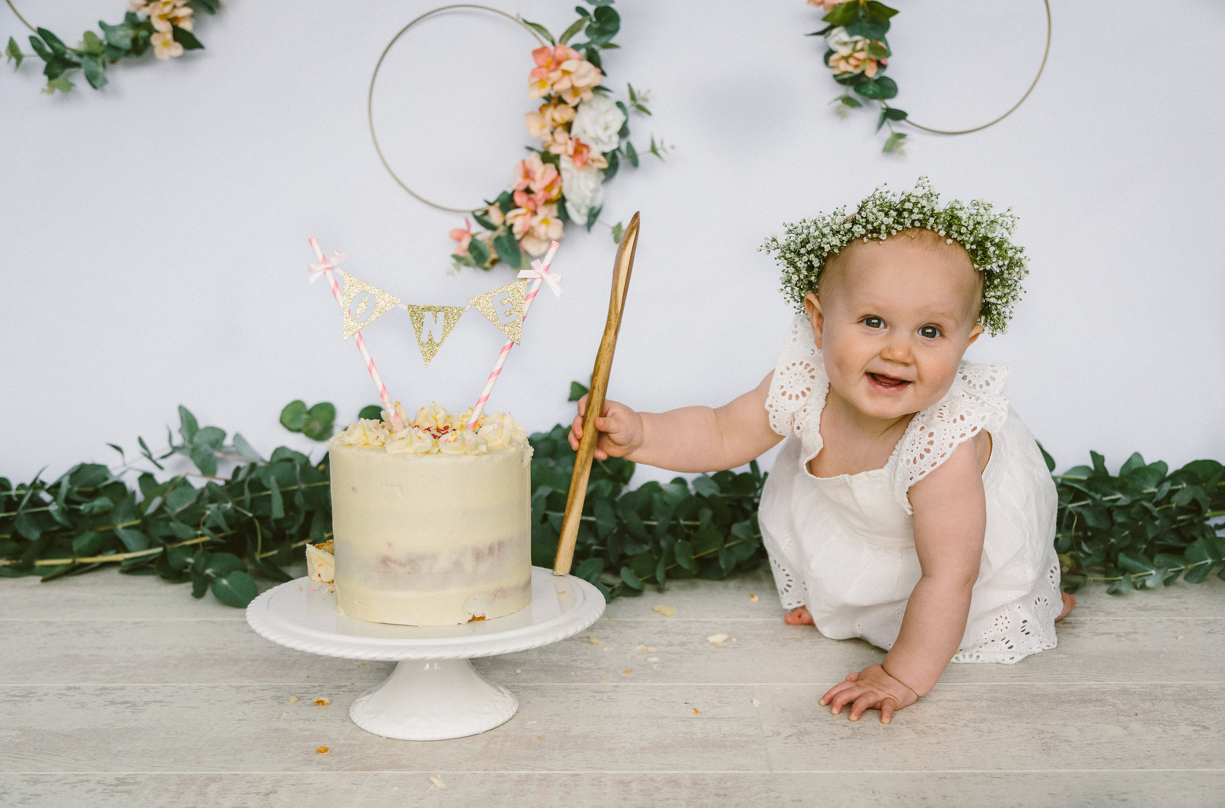 Mia Cake Smash Photo shoot April 2019-17.jpg
