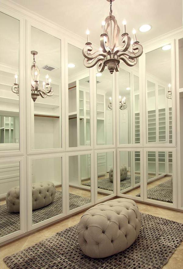 Mirror paneled doors, what a dream closet!