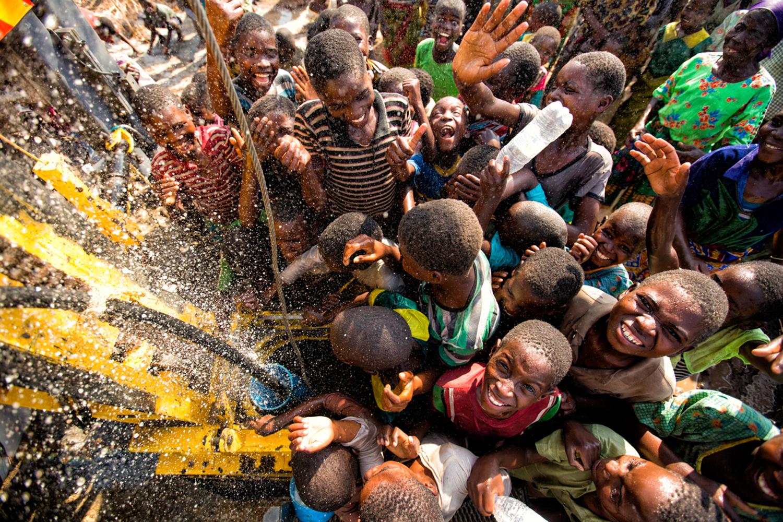 131030_charitywaterMalawi_EH_645.jpg