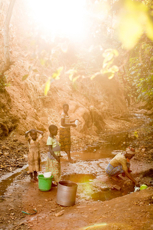 131031_charitywaterMalawi_EH_805.jpg