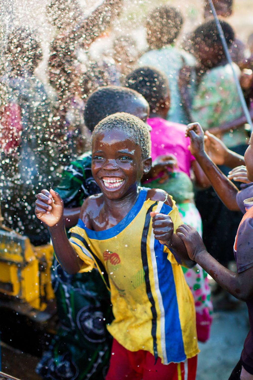 131029_charitywaterMalawi_EH_1379.jpg