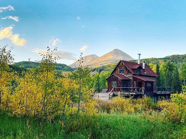 Where am I? @duntonhotsprings - an 1800's ghost town in an alpine valley just southwest of Telluride in Colorado. In what use to be a mining town is now remodeled into a luxury resort that I have fallen in love with. Every single detail is thought through making it one of the best escapes to rejuvenate in (especially since there is no cell phone signal) . It's been awesome to teach iPhone photography to the guests here this past week and see them capture amazing photos themselves. . I shot the 2nd image of the saloon handheld on the new📱iPhone11pro night mode and couldn't believe how gorgeous and sharp the image looked! I use to be only able to capture this on my DSLR. It's so great to take a quick snap with the camera I have in my back pocket and it turns out looking like this 😍 . If you are interested in joining @austinmann and I on future iPhone photography workshops, send me a DM with your email and we'll keep you updated!  #shotoniphone