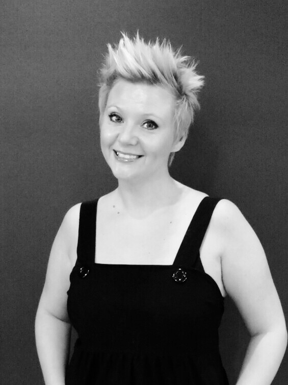 Sarah-Manager - Originally from the UK, Sarah is very passionate about her skills and career. Over 20 years in the biz!