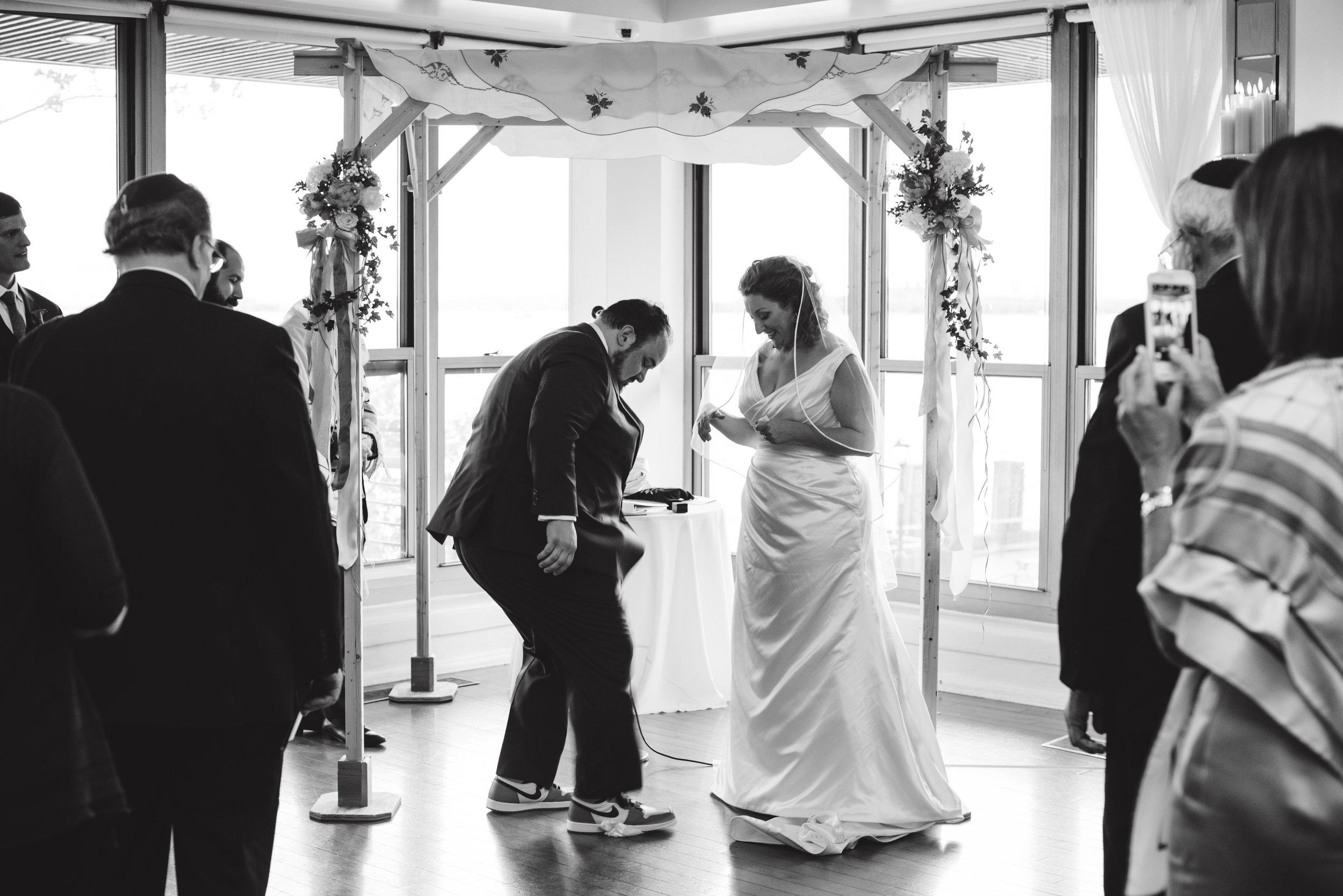 LIZA & JON - BATTERY PARK WEDDING - NYC INTIMATE WEDDING PHOTOGRAPHER - CHI-CHI AGBIM-480.jpg