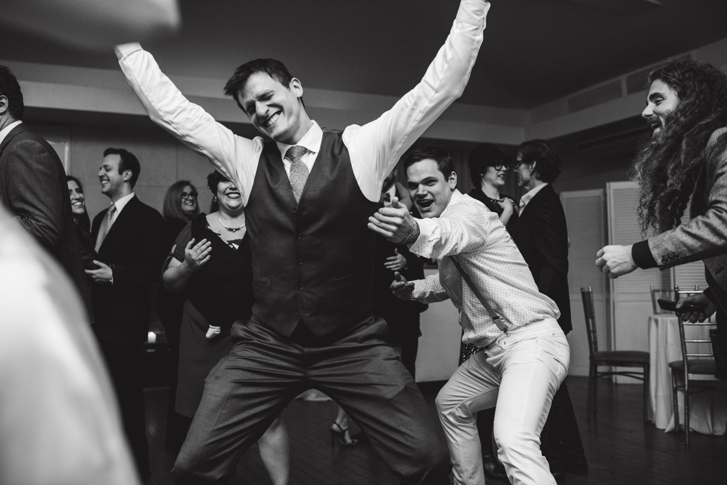 LIZA & JON - BATTERY PARK WEDDING - NYC INTIMATE WEDDING PHOTOGRAPHER - CHI-CHI AGBIM-689.jpg