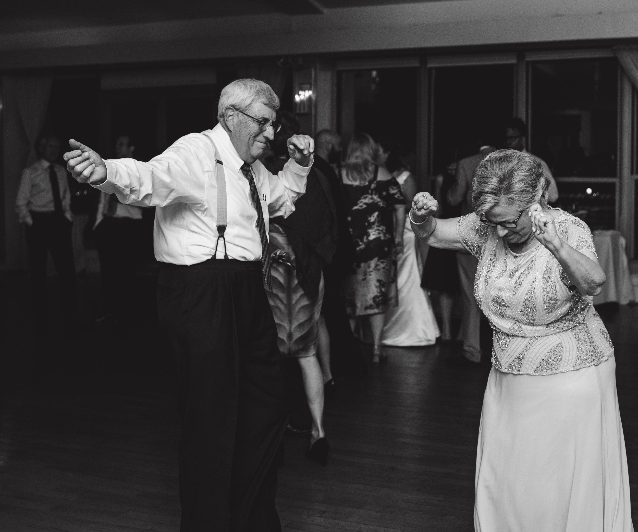 LIZA & JON - BATTERY PARK WEDDING - NYC INTIMATE WEDDING PHOTOGRAPHER - CHI-CHI AGBIM-790.jpg