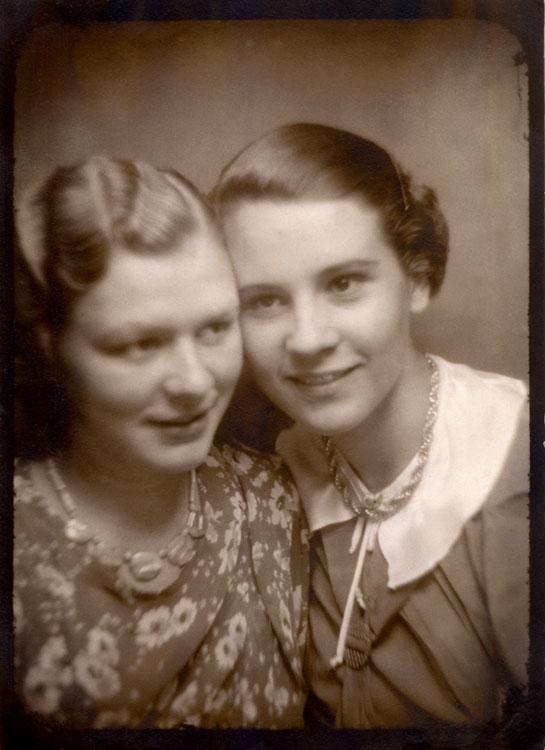 Two German women