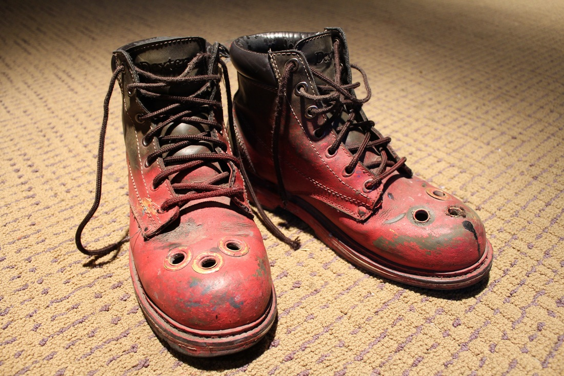 Wagner's painting boots