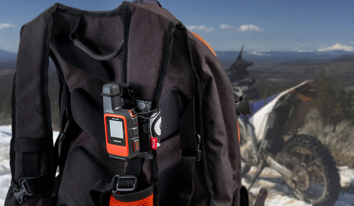 Tracker-Packer-Garmin-InReach-Mini-Field.jpg
