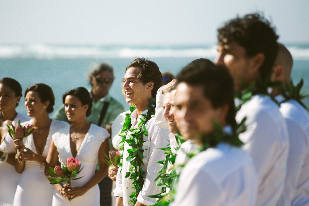 Tunnels Beach Wedding-14.jpg