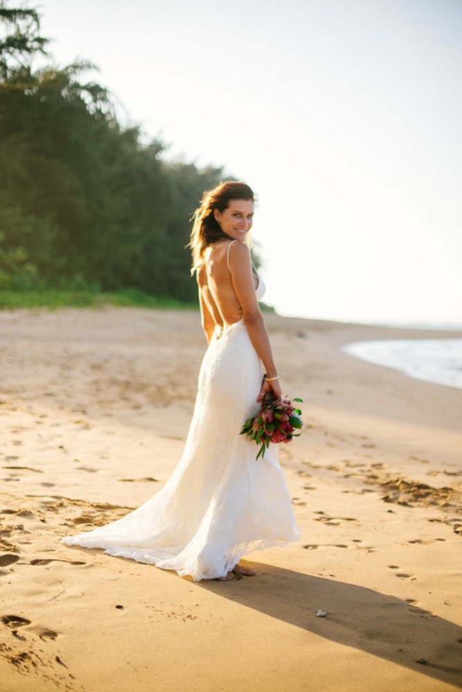 Tunnels Beach Wedding-49.jpg