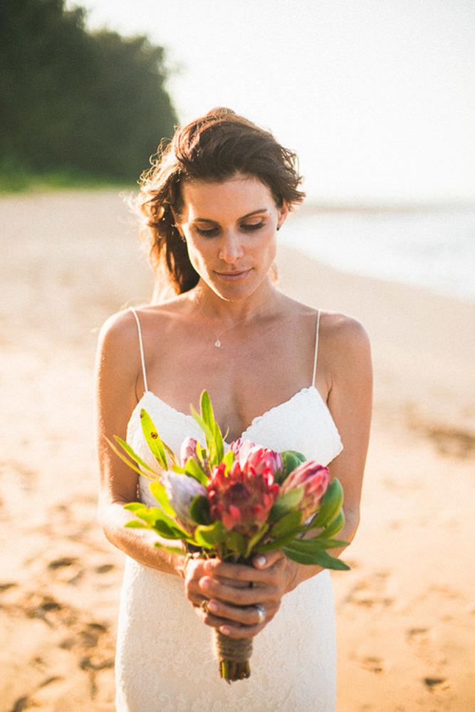 Tunnels Beach Wedding-51.jpg