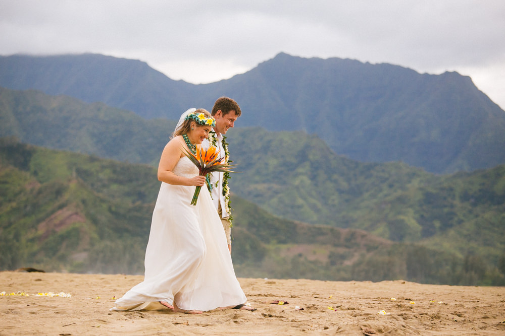 hanalei bay kauai wedding_-56.jpg