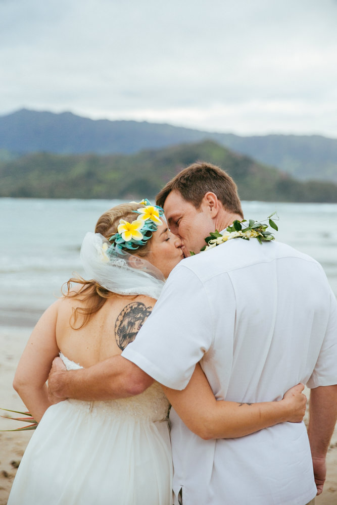 hanalei bay kauai wedding_-61.jpg