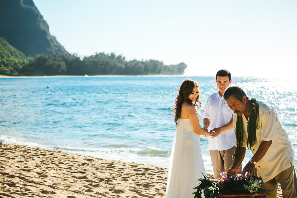 Tunnels beach wedding photography_-4.jpg