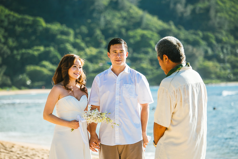 Tunnels beach wedding photography_-3.jpg