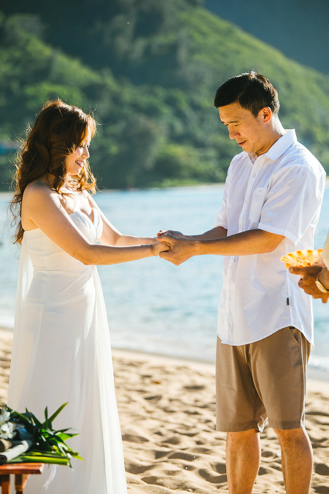 Tunnels beach wedding photography_-8.jpg