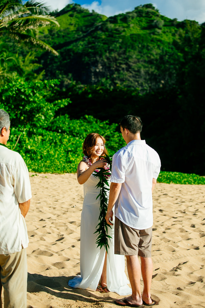 Tunnels beach wedding photography_-9.jpg