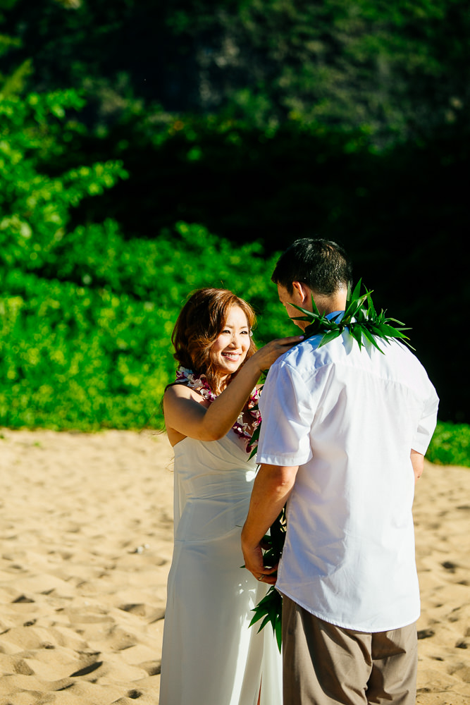 Tunnels beach wedding photography_-10.jpg