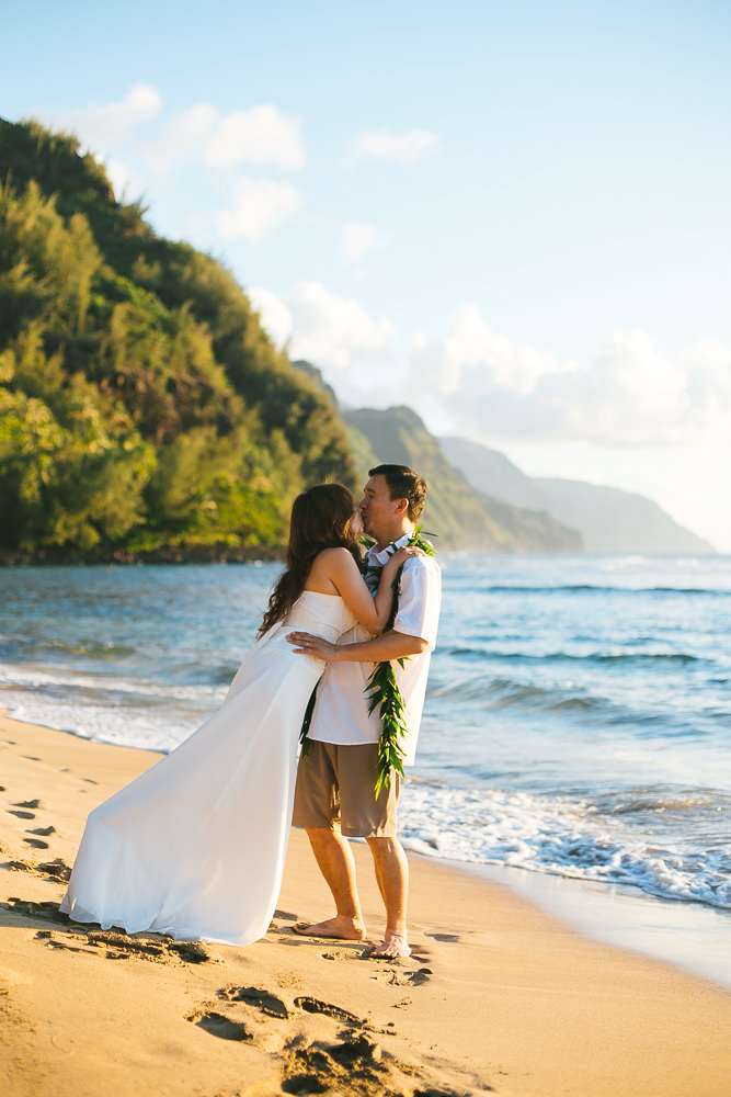 Tunnels beach wedding photography_-43.jpg