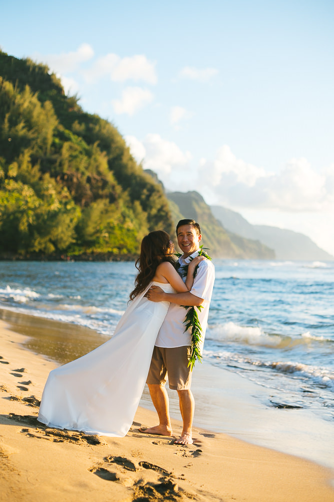 Tunnels beach wedding photography_-44.jpg