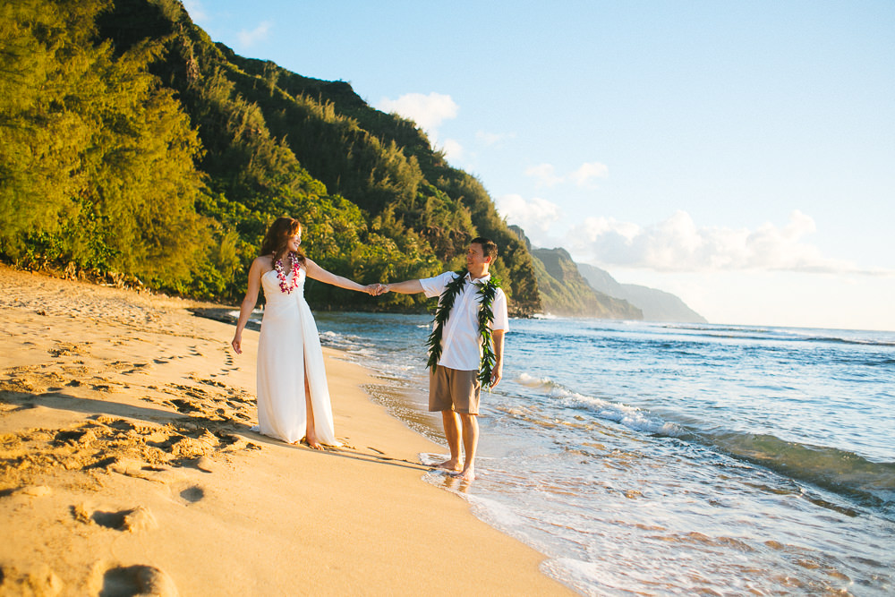 Tunnels beach wedding photography_-46.jpg