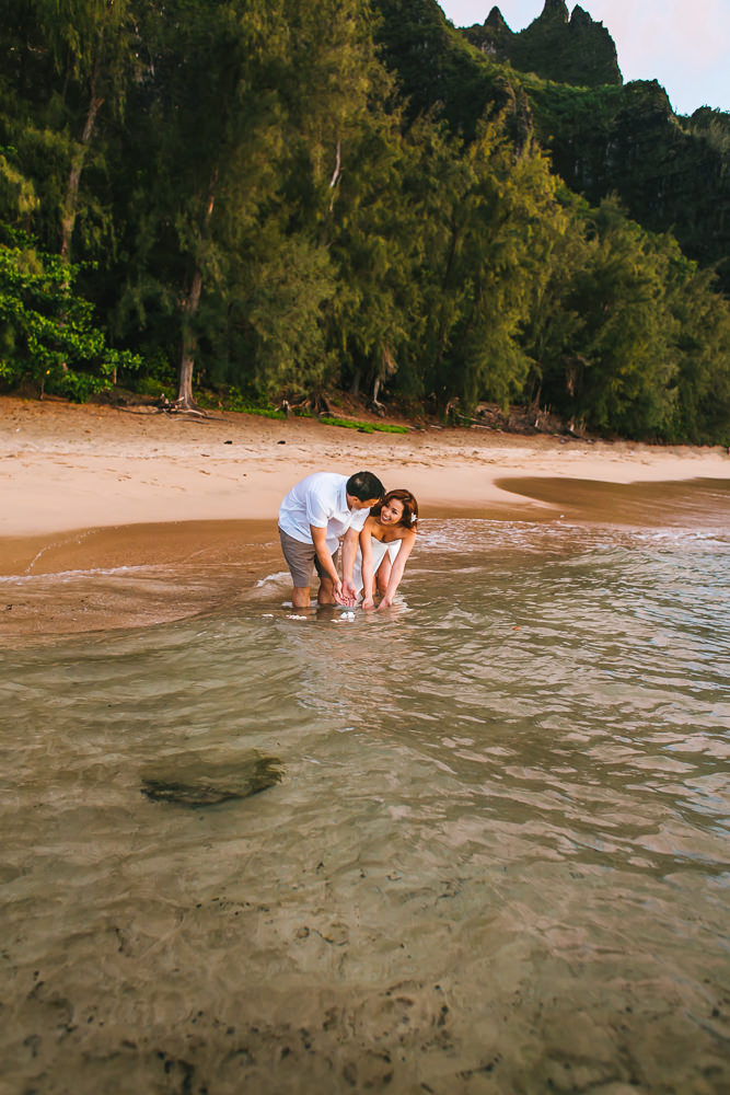 Tunnels beach wedding photography_-59.jpg