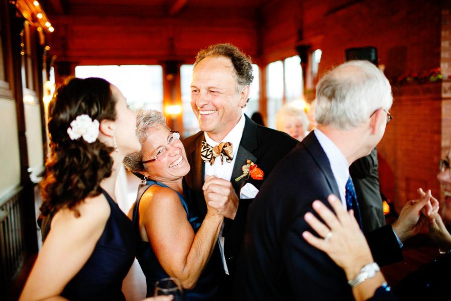 Kinney-bungalow-wedding-narragansett-030