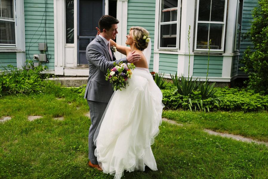 Montague-retreat-center-wedding-11.jpg