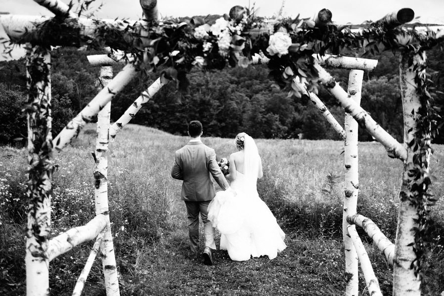 Montague-retreat-center-wedding-18.jpg