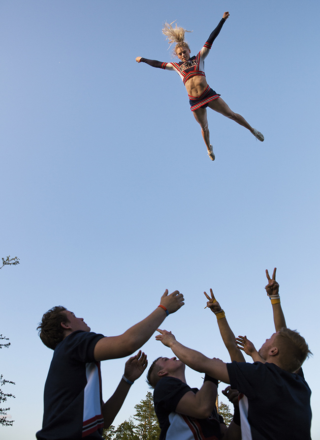 10895-5-cheerleading4.jpg