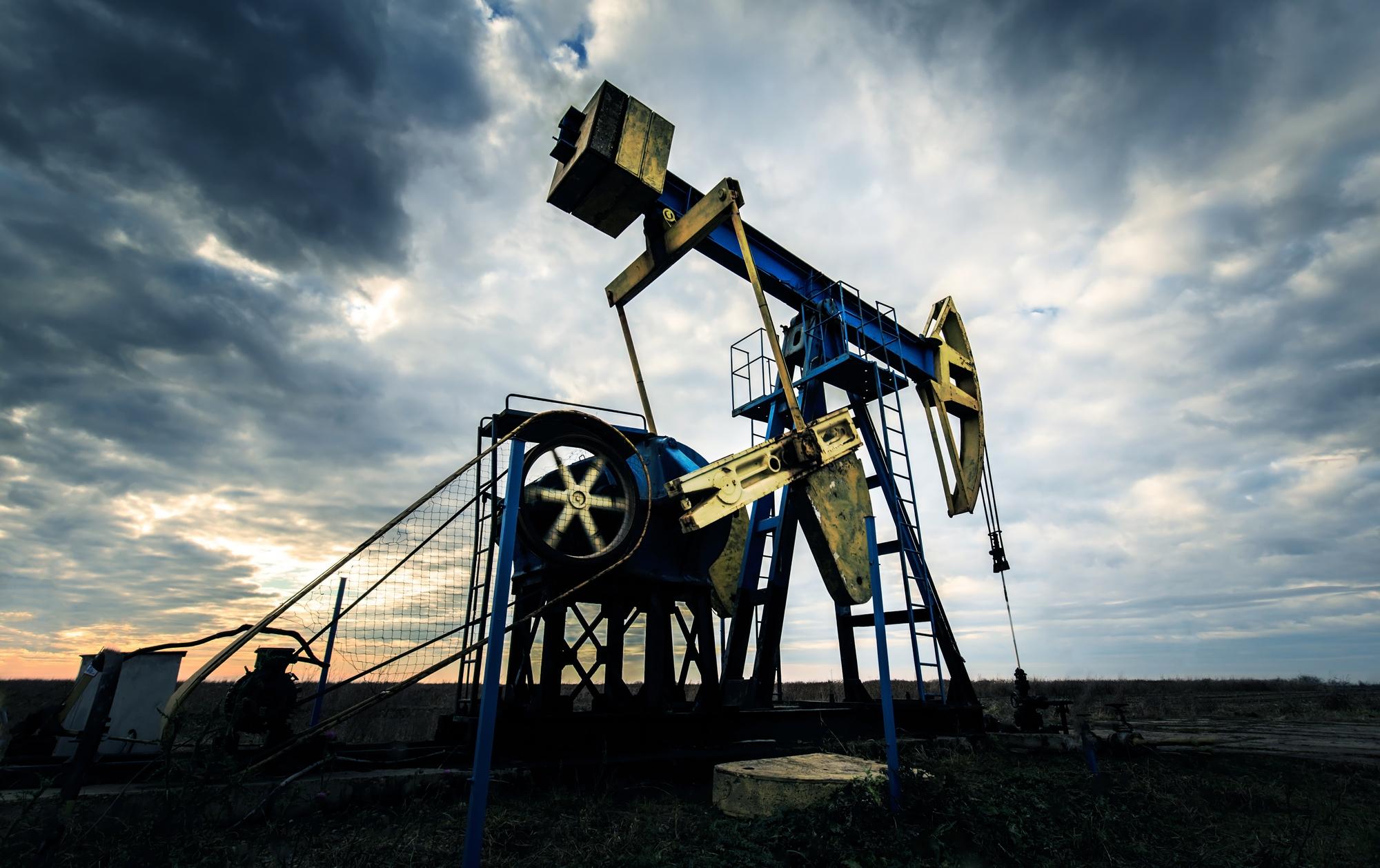fracking oil field deabte