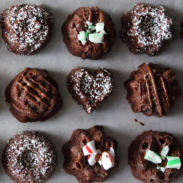 Mint-drizzle brownie bites. Someone put the coffee on!